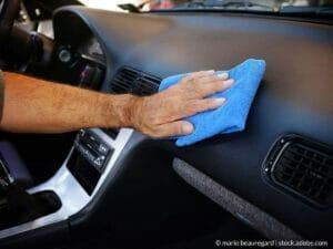 Cómo restaurar los plásticos de tu automóvil